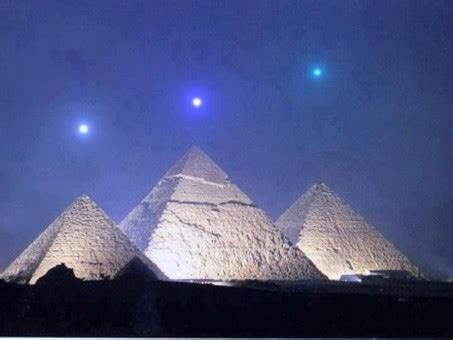 pyramids  giza world mysteries blog