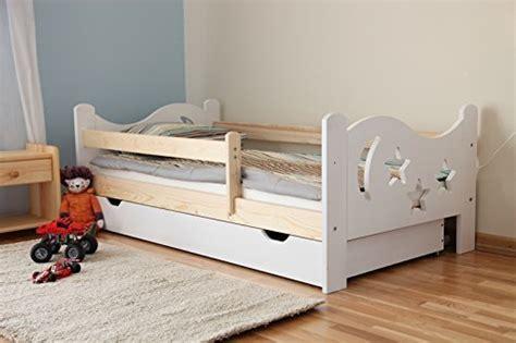 jugendbett mit rausfallschutz arbox massivholz kinderbett mit rausfallschutz kinderzimmer
