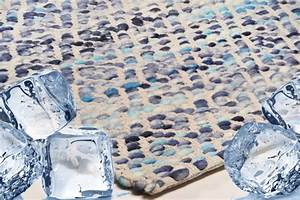 Blutflecken Aus Teppich Entfernen : eiskalt entfernt eisw rfel gegen flecken auf dem teppich interior blog ~ Watch28wear.com Haus und Dekorationen