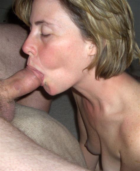 Blonde Mature Porn Image 8111