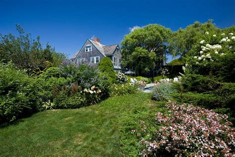 Feast Your Eyes On The Iconic 'grey Gardens' Estate
