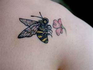85+ Beautiful Bee Tattoos Ideas