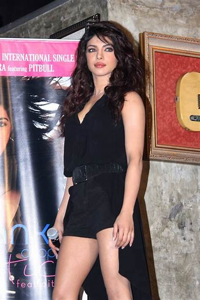 Chopra Priyanka Exotic Legs Bollywood Single Mumbai