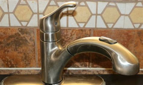 Moen Kitchen Faucet does not swivel, what to replace