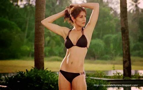 Sexy Hot Anushka Sharma Album Pictures And Photos