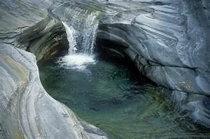 Wasserlauf Im Garten : natur wasserlauf ~ Orissabook.com Haus und Dekorationen
