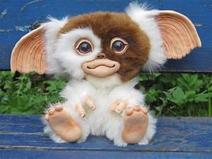 Cute Plush Mogwai Replicas - Sci-Fi Design