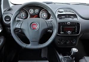 Fiche Technique Fiat Punto : fiche technique fiat punto evo 1 3 multijet 16v 75 s s dpf dynamic 2010 ~ Maxctalentgroup.com Avis de Voitures