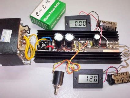 Power Supply With Short Circuit Protection