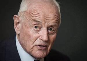 Mining magnate Peter Munk admits donating more than ...