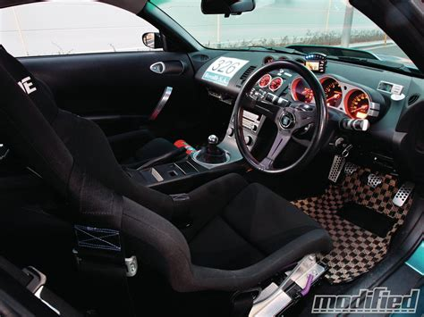 custom nissan 350z interior 2004 nissan 350z ready to pounce modified magazine
