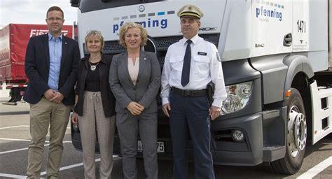 navigation für lkw kf dem toten winkel lidl und pfenning logistics engagieren sich eurotransport