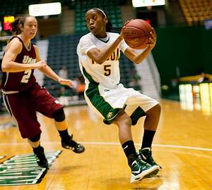 Moton goes for 31 as women's hoops downs Georgia State in ...