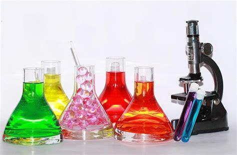 Profesijas meklējumos: ar ķīmiju saistītās profesijas