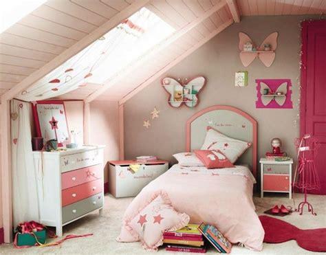 chambre bébé sous pente deco chambre fille sous pente visuel 1