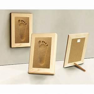 Cadre Photo Sur Pied : empreinte pied 18x25 cm sur sable avec cadre bois ~ Teatrodelosmanantiales.com Idées de Décoration