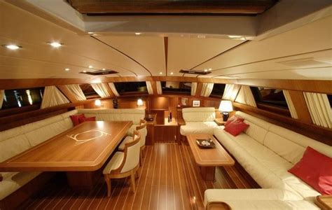 photo interieur yacht de luxe yacht voilier privatis 233 de luxe croisi 232 re en corse sur voilier sloop 100 world oceans