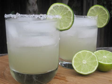 how to make a margarita margaritas recipe dishmaps