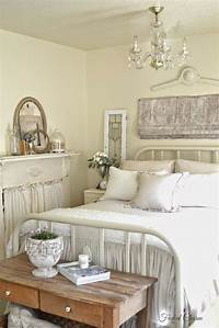 ideas for decorating a bedroom French Country Bedroom Decorating Ideas and Photos