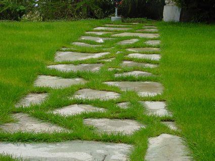 installer des pas japonais une all 233 e en pas japonais ou galets dans votre jardin d 233 co jardin all 233 es de jardin