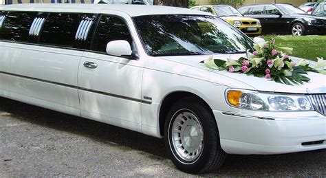 A Limo For A Day by Why Do You Need To Hire A Limousine On Your Wedding Day