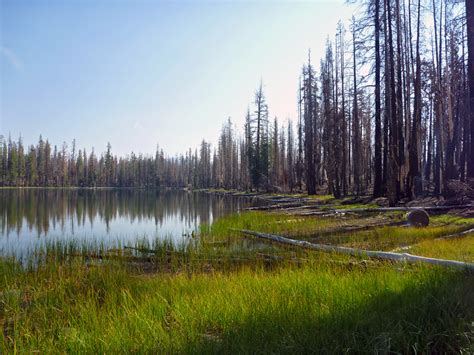 cluster lakes loop trail lassen volcanic national park