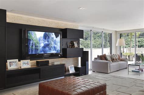 decoração de sala pequena sofá marrom escuro 10 projetos incr 237 veis de salas de tv para inspirar voc 234