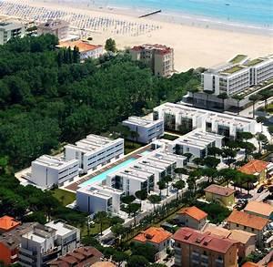 Green Light Jesolo Immobiliare By Richard Meier Present The Pool