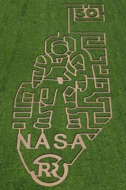 corn mazes   country celebrate nasa
