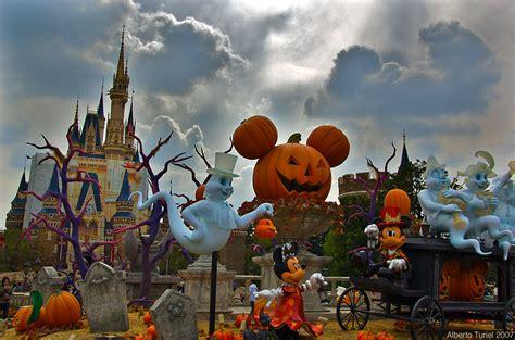 halloween  disneyland spooktacular halloween parties