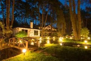 outdoor landscape lighting ideas lovetoknow With screwfix outdoor garden lighting