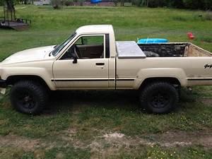 1987 4wd Pickup  New Member