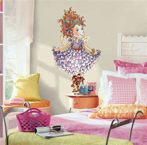 Diy Wall Murals For Little Girls' Rooms