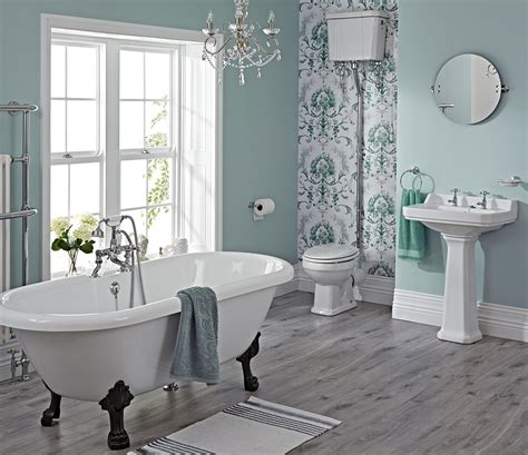 Vintage Bathrooms Designs Add Glamour With Small Vintage