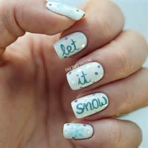 Paulina s passionslet it snow winter nails