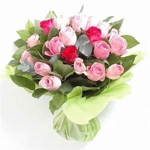 Bouquet De Fleurs : le bouquet de fleurs photo des roses et fleurs maison retraite champfleuri ~ Teatrodelosmanantiales.com Idées de Décoration