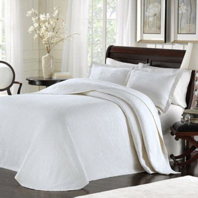 King White Coverlet by Buy King Matelasse Bedspread From Bed Bath Beyond