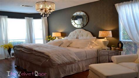 Chandeliers For Bedrooms Ideas, Rustic Master Bedroom