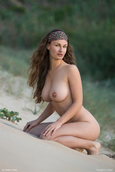 Susann Naked Beauty Mybigtitsbabes