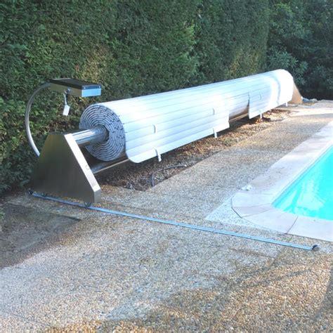 rideau piscine electrique comment choisir un volet piscine une couverture un abris piscine
