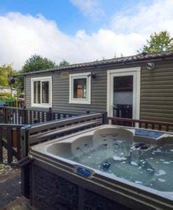 The Lake District Log Cabins With Tub - log cabins with tubs in the lake district