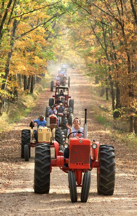 Tractor Ride Sunday - Antique Tractor Blog