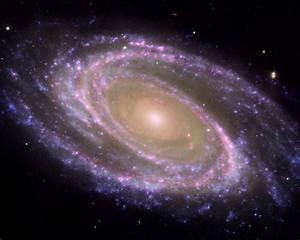 Spiral Galaxy M81 - Desktop Wallpaper