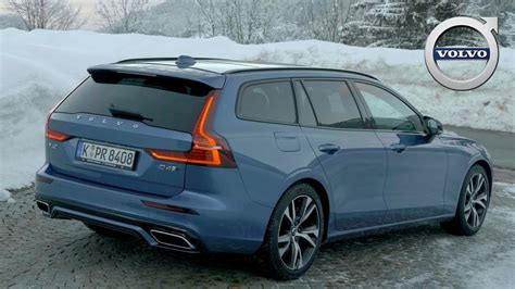 volvo   design bursting blue exterior
