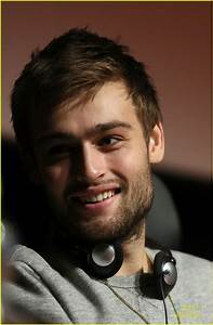 Douglas Booth: 'Romeo and Juliet' at Rome Film Festival ...