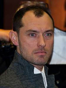 File:Jude Law 2013 (cropped).jpg - Wikimedia Commons