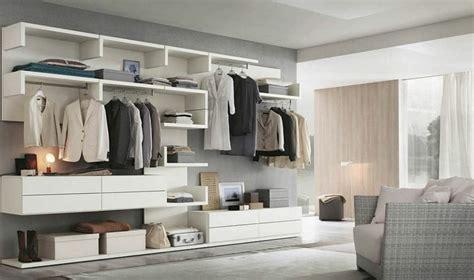 installer un dressing dans une chambre chambre avec dressing exposez votre collection de mode