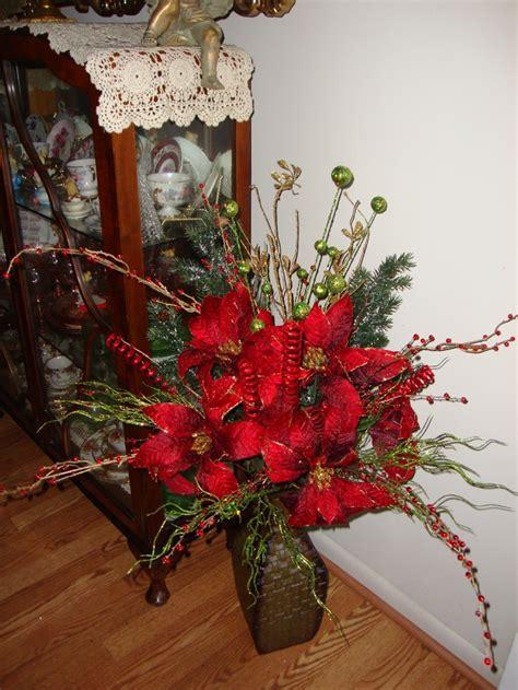 christmas floral arrangement christmas floral