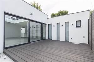 maison contemporaine avec terrasse et patio agence ea With terrasse de maison contemporaine