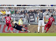 Buffon saves VAR penalty as Juve overrun Cagliari — Sport